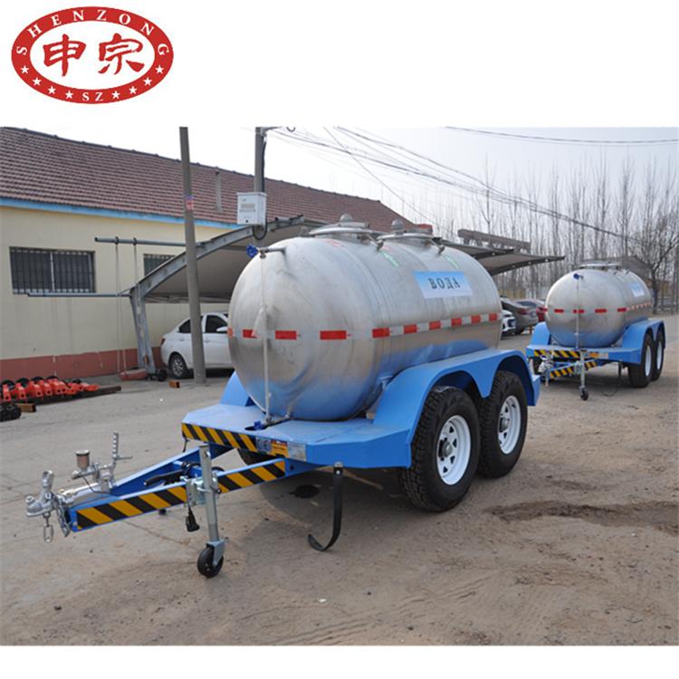 2.3吨不锈钢水罐拖车